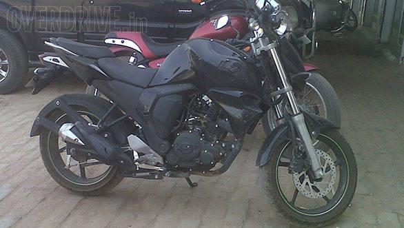 Yamaha FZ facelift spied (1)
