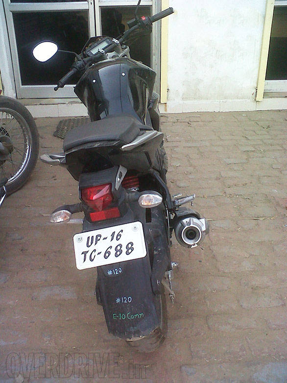 Yamaha FZ facelift spied (3)