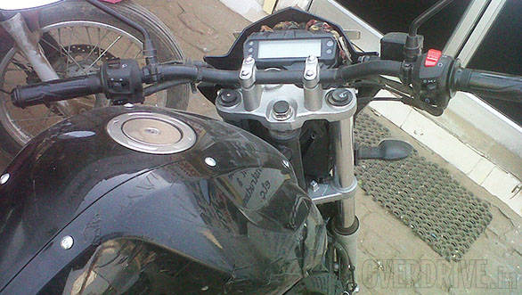 Yamaha FZ facelift spied (4)