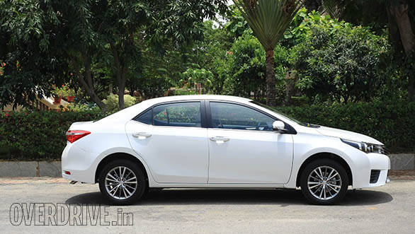 toyota auris price in india