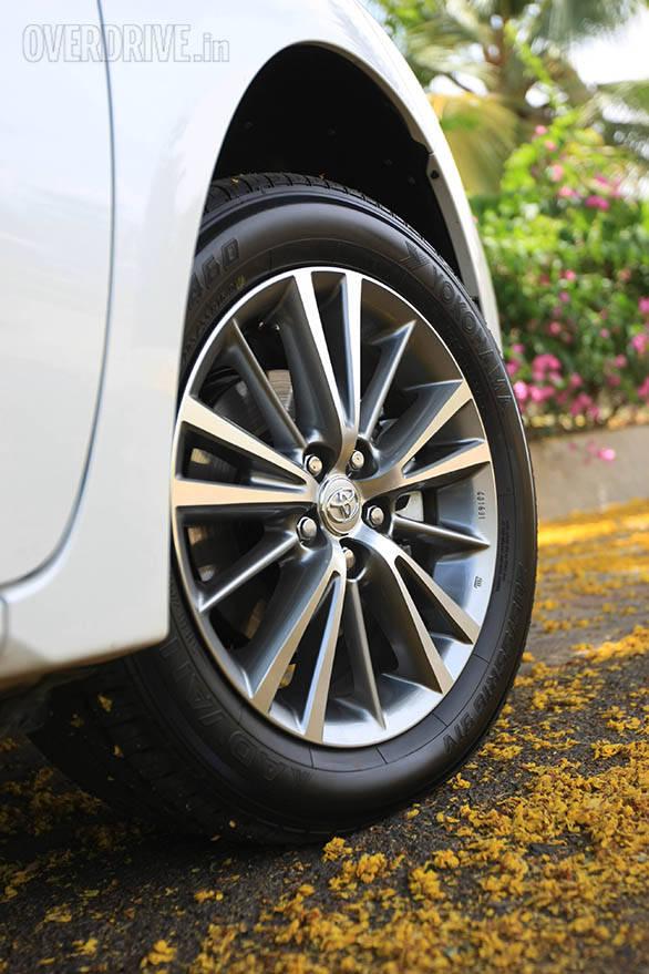 2014 Toyota Corolla (25)