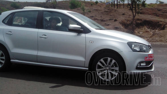 2014 Volkswagen Polo facelift spied (3)
