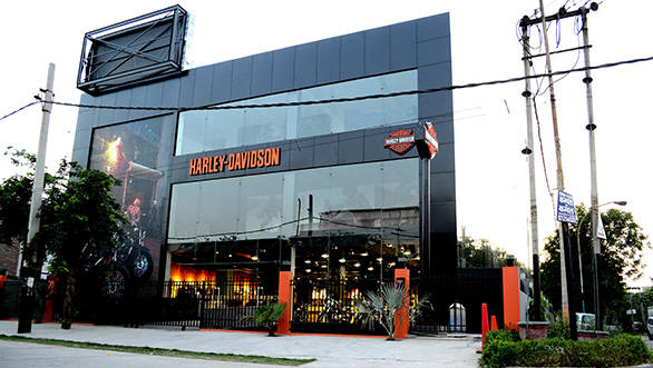 Harley-Davidson-Gurgaon-Dealership-(5)