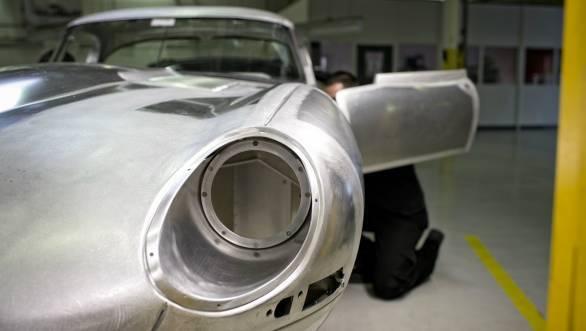Jaguar Lightweight E-Type 1