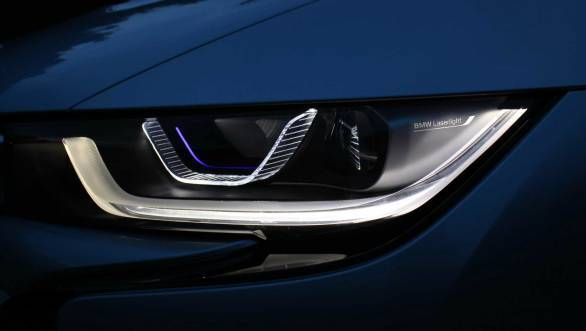 The lasers used in the i8 are ten times brighter than usual LEDs