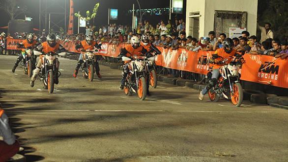 Riders riding at the 4th KTM Orange Day at Imax, Wadala on 3rd May at 6pm (4)