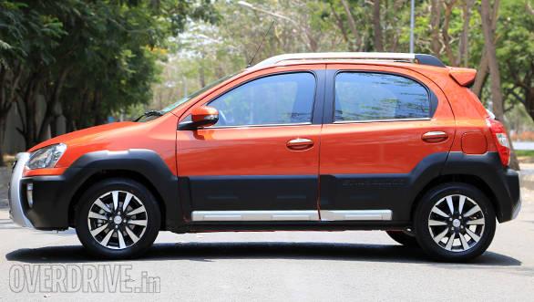 Toyota Etios Cross (9)