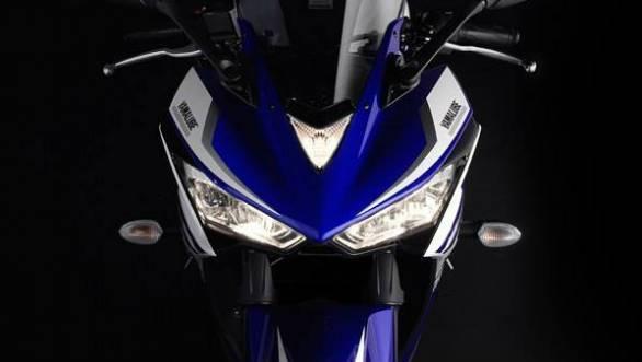 Yamaha YZF-R25 3