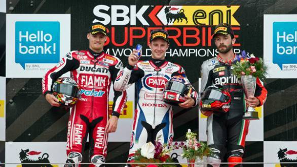 Jonathan Rea takes a double at Imola