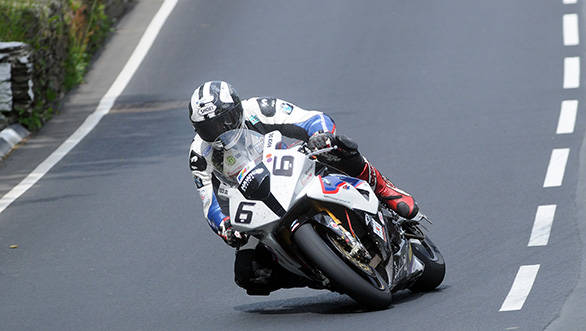 Michael Dunlop won the Senior TT race taking his tally of TT wins to 11