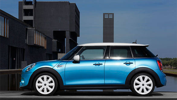 BMW Mini cooper 5-door 2015 (1)