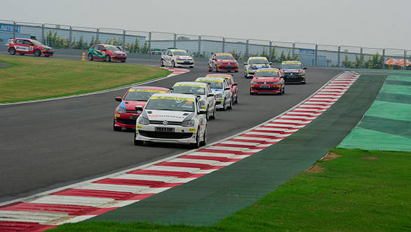 Cars-line-up-behind-the-safety-car-during-Race-2
