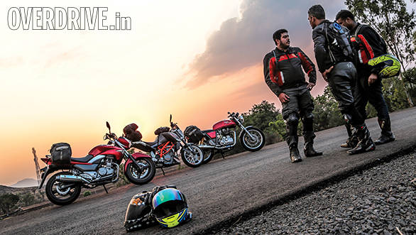 Royal Enfield Continental GT vs KTM 390 Duke vs Suzuki Inazuma (10)