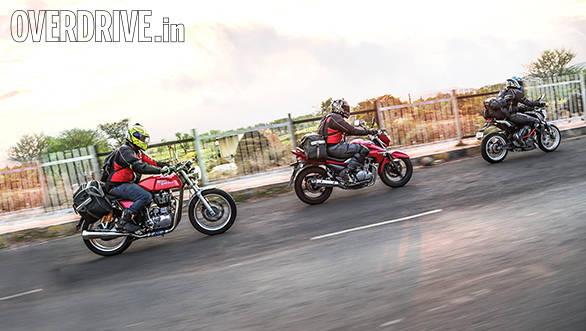 Royal Enfield Continental GT vs KTM 390 Duke vs Suzuki Inazuma (6)