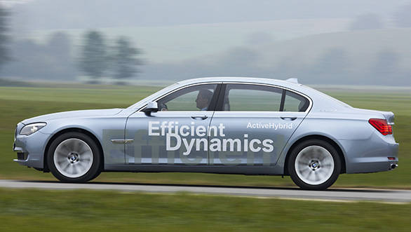 2013-BMW-7-Series-ActiveHybrid-(1)