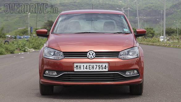 2015 Volkswagen Polo (2)