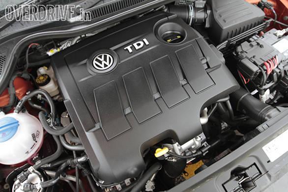 2015 Volkswagen Polo (9)