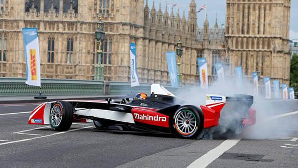 Mahindra Racing's Karun Chandhok pulls doughnuts at Formula E launch in London