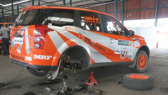 Kadur's car in Service - he will restart the rally tomorrow