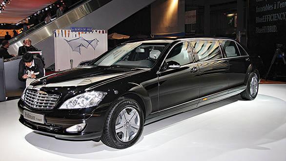 Mercedes-Benz_S600_Pullman_Guard_limousine