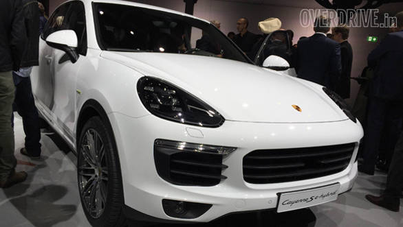 Paris Motor Show 2014: 2015 Porsche Cayenne revealed with facelift and updated engines