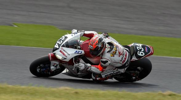 Takumi Takahashi in the lead at the 8 Hours of Suzuka