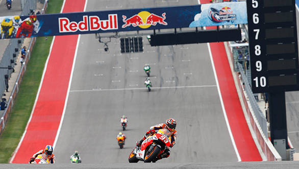 Pedrosa chases Marques up the hill in Texas