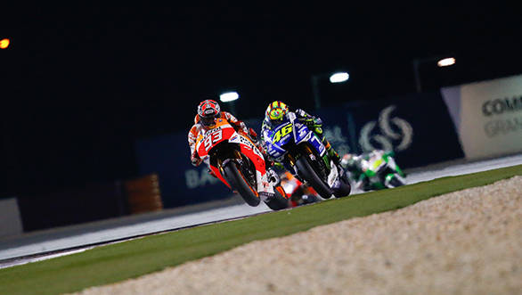 Rossi battles with Marques under the Qatar lights