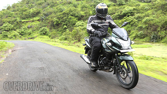 2014 Bajaj Discover 150F and 150S India roadtest