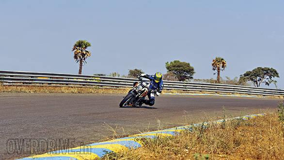 KTM 390 Duke track test (1)
