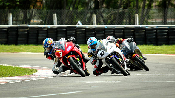 Motorcycle_Racing_Championship_Day_1 (1)