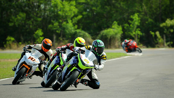 Motorcycle_Racing_Championship_Day_2 (1)