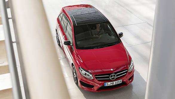 2014_Mercedes-Benz_B-Class_(4)