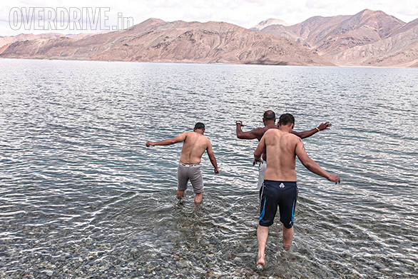 Three of our readers were adventurous enough to take a dip in the frigid waters of Pangong. As they say in F1, it was quite the splash and dash!