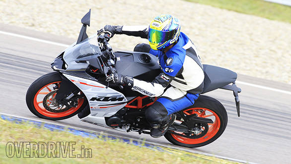 KTM RC 390 racetrack (4)