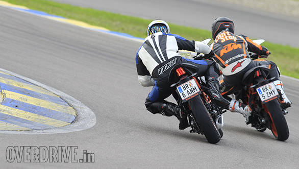 KTM RC 390 racetrack (5)