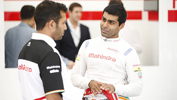 Here Chandhok talks to the team before the race