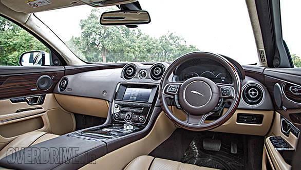 Jaguar XJ L cabin