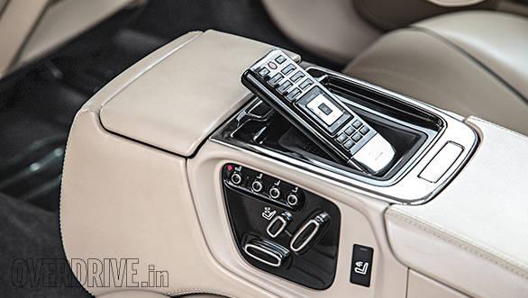 Jaguar XJ L console
