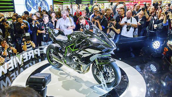 Kawasaki Pressekonferenz auf der INTERMOT 2014 mit der Produktneuheit Kawasaki Ninja H2R, Halle 8