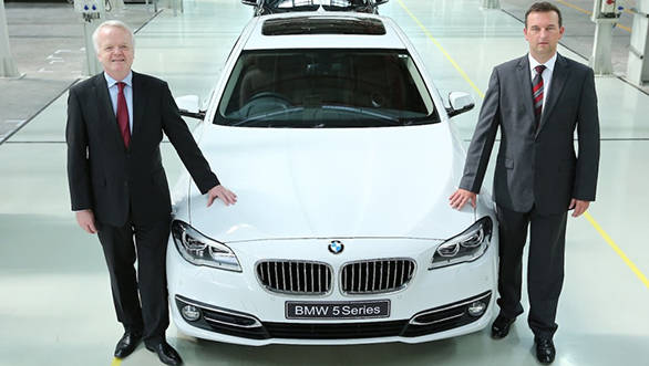 Mr.-Philipp-von-Sahr-President-BMW-Group-India-with-Mr.-Robert-Frittrang-MD-BMW-Plant-Chennai-with-the-40000th-locally-produced-car-1024x827