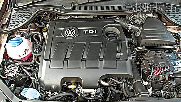 Volkswagen Vento TDI DSG (1)