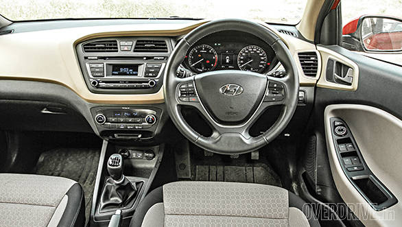 2014 Hyundai Elite i20 comparo (10)