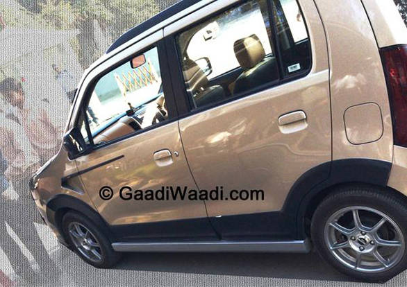 Spied: Maruti Suzuki Wagon R Xrest testing in India