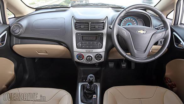 Chevrolet Sail 2015 (8)