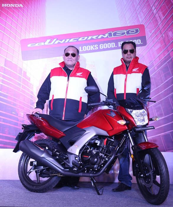 Honda_CB_Unicorn_160_cc_launch_-_Mr__Keita_Muramatsu_President__CEO_HMSI__Mr__Y_S__Guleria_VP_Sales__Marketing_HMSI