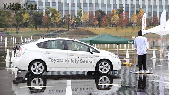 Toyota Safety Sense P is capable of shape detection