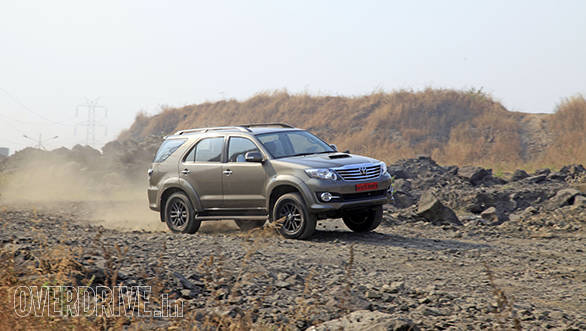 2015 Toyota Fortuner 3.0l 4x4 automatic review