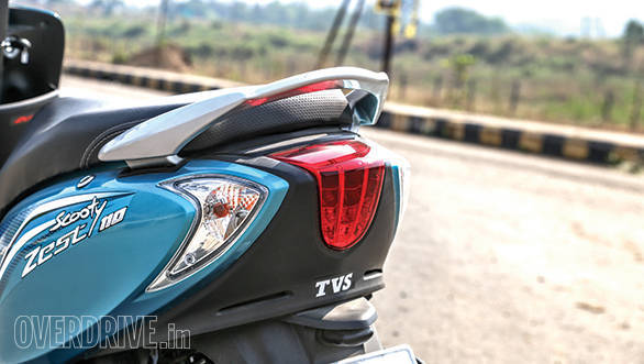 Mahindra Gusto vs Suzuki Let's vs TVS Scooty Zest (11)