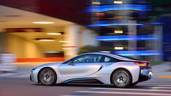 039_BMW_i8